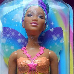 Barbie Dreamtopia – Fee of Color, kurvig